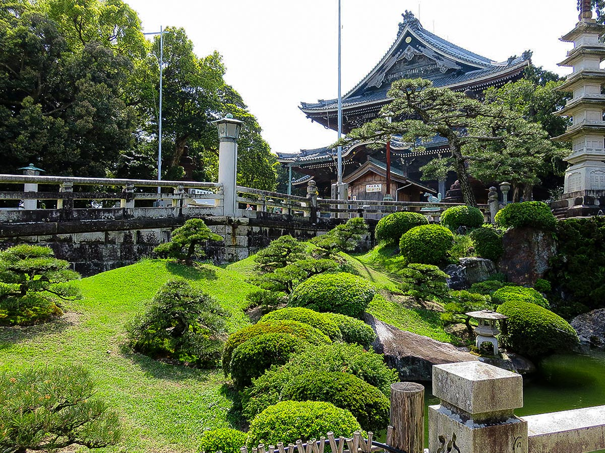 upload/recommend_course_languages/Toyokawa Inari temple