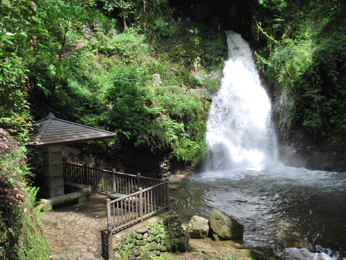 牛の滝   【公式】愛知・名古屋の観光サイトAICHINOW