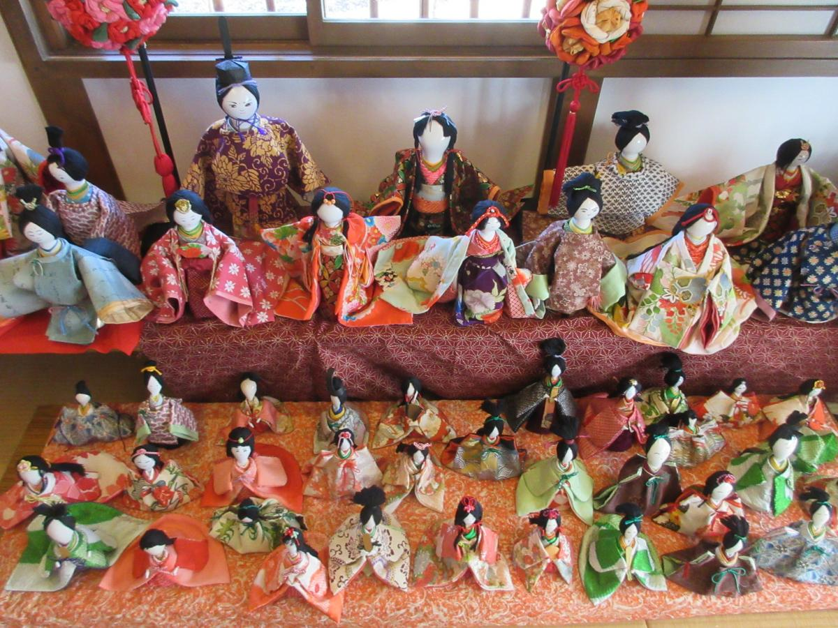 Tour of the Hina at Ceramics Town Seto (To-no-Machi Seto no Hina Meguri)
