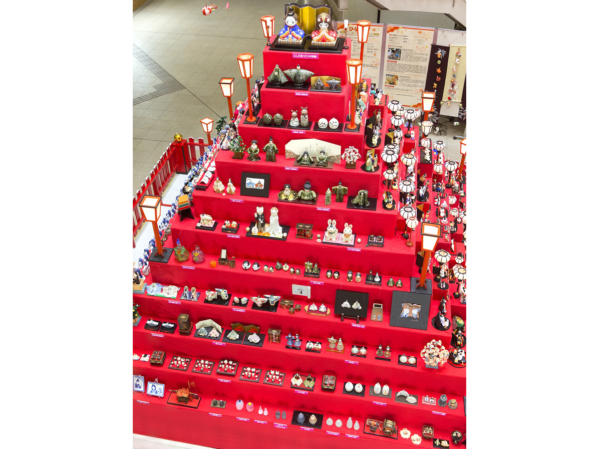 Tour of the Hina Dolls in Ceramics Town Seto (To-no-Machi Seto no Hina Meguri)